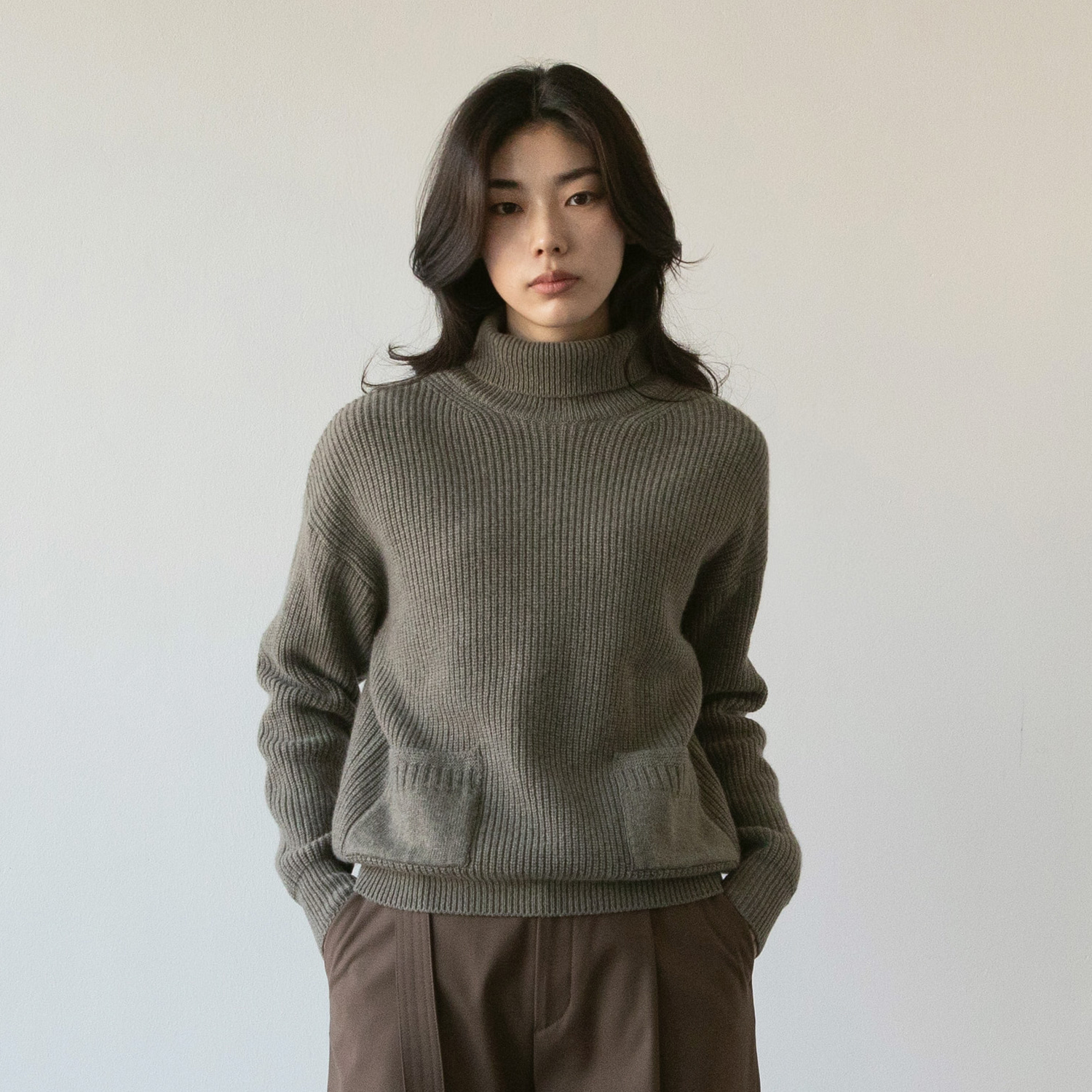 Women Ample Cashmere Turtleneck (Dovetail)