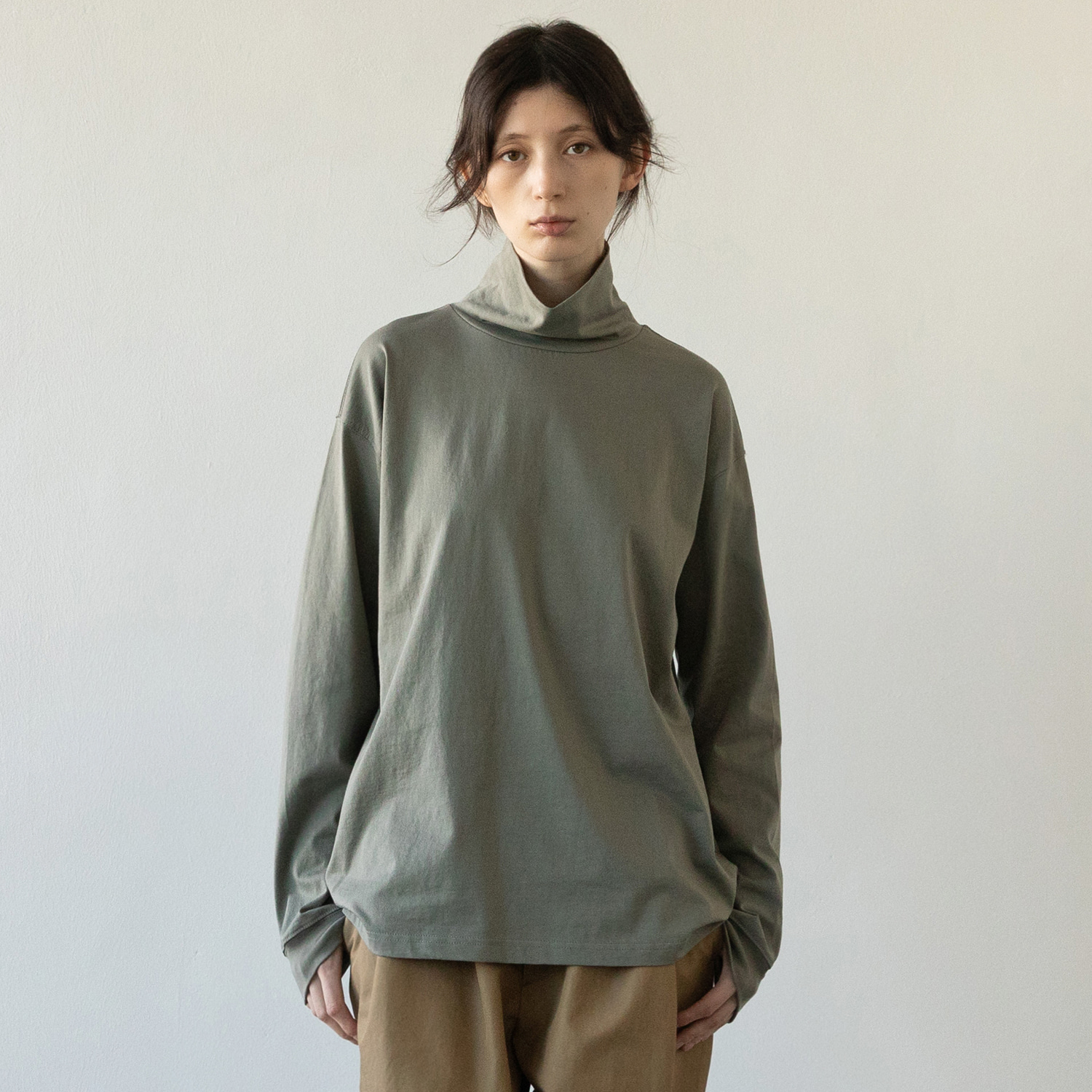 Women Layer Hi Neck T (French Gray)