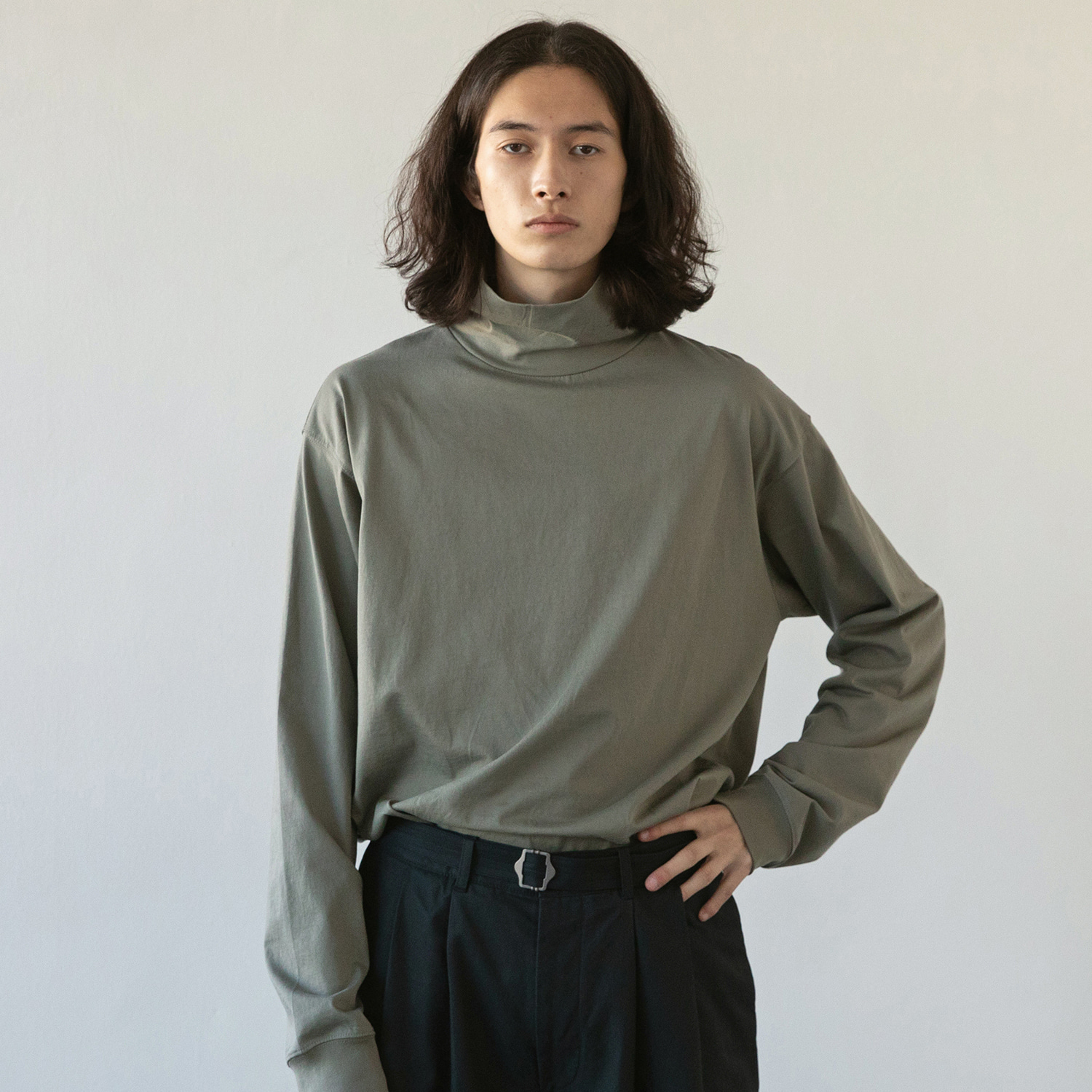 Layer Hi Neck T (French Gray)